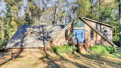 Private 3BD/2BA Cabin on 5.4 Acres in Waxhaw!